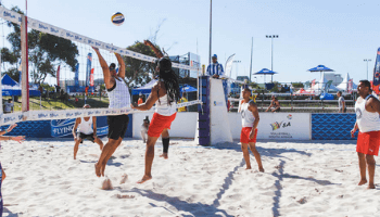 Volleyball players at Cape Town 10s - image gallery