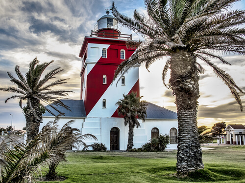 Cape Town Green Point lighthouse by Maslowski Marcin/shutterstock