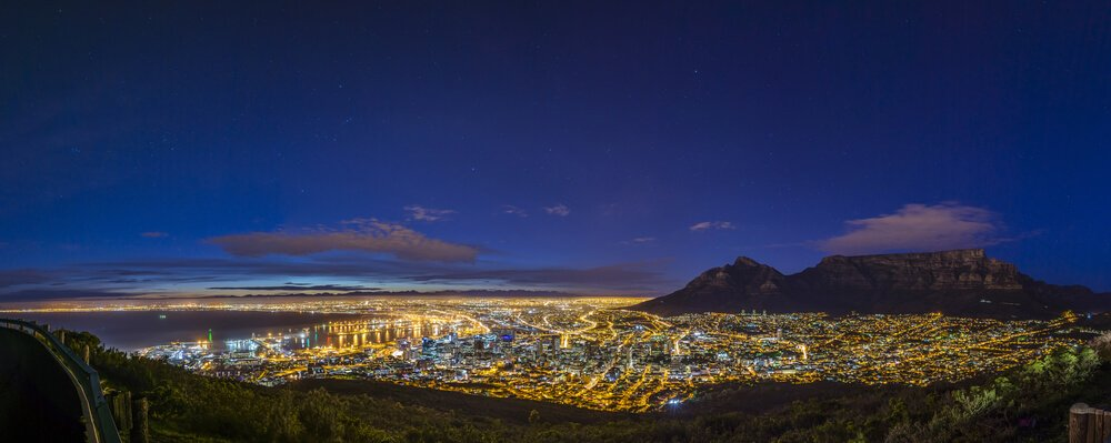 Cape Town city center by Richard Brew/Shutterstock.com