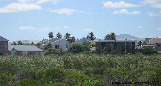 Cape Town Housing Guide - Picture of Blaauwberg/Dolphin Beach