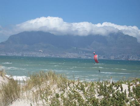 CapeTown beaches: Kitesurfing at Blouberg Beach